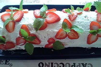Erdbeer-Sahnerolle 90