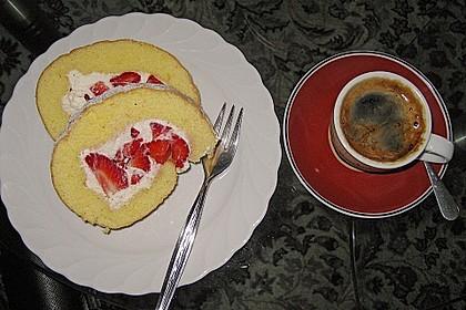 Erdbeer-Sahnerolle 97