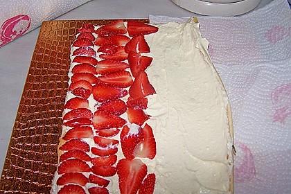 Erdbeer-Sahnerolle 71