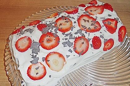 Erdbeer-Sahnerolle 145