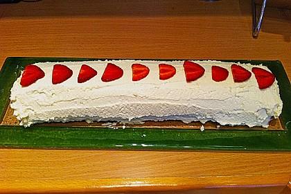 Erdbeer-Sahnerolle 125