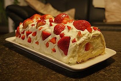 Erdbeer-Sahnerolle 56