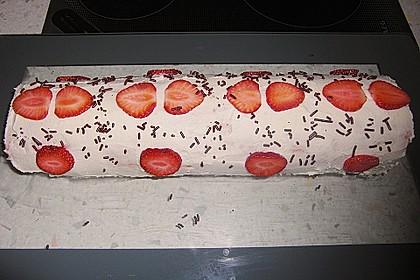 Erdbeer-Sahnerolle 121