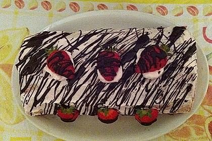 Erdbeer-Sahnerolle 86