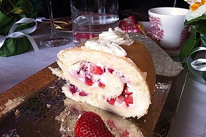 Erdbeer-Sahnerolle 124