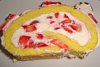 Erdbeer-Sahnerolle 74