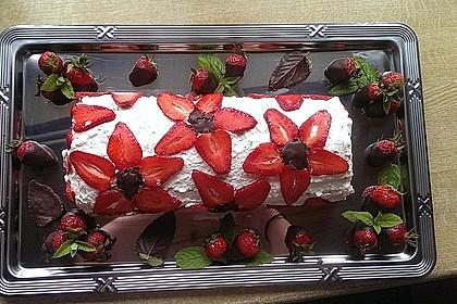 Erdbeer-Sahnerolle 2