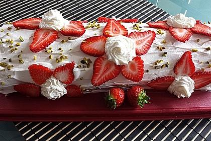 Erdbeer-Sahnerolle 17