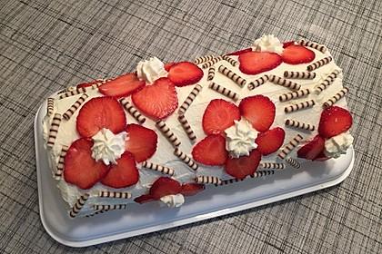 Erdbeer-Sahnerolle 16