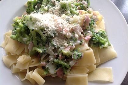 Sahne - Broccoli - Nudeln 25