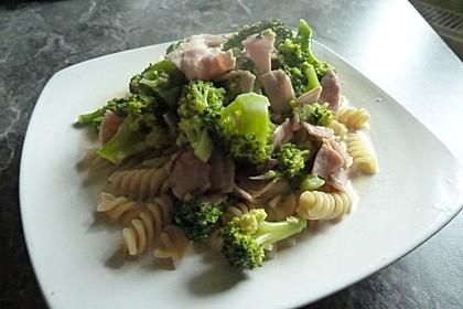 Sahne - Broccoli - Nudeln 20