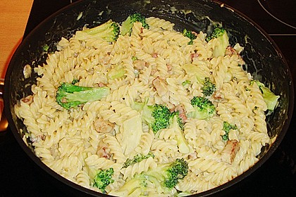 Sahne - Broccoli - Nudeln 19