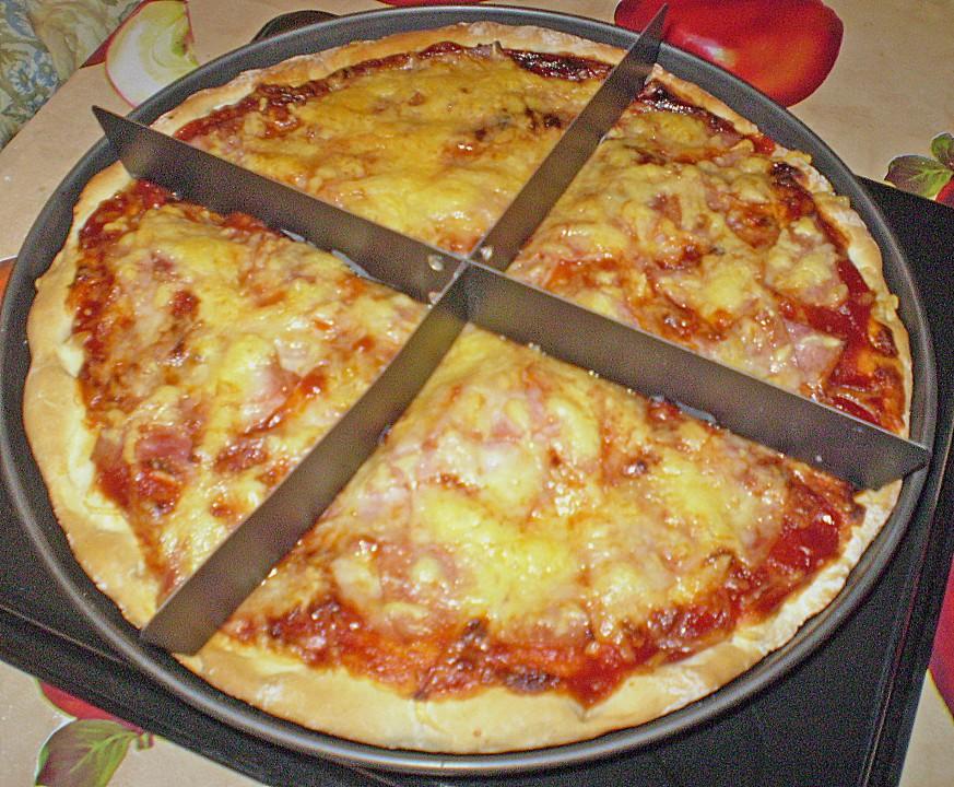 pizza mit frischen tomaten und schinken rezepte suchen. Black Bedroom Furniture Sets. Home Design Ideas