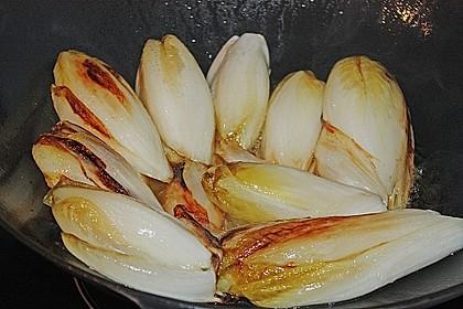 Chicoree mit Schinken und Käsesauce 6