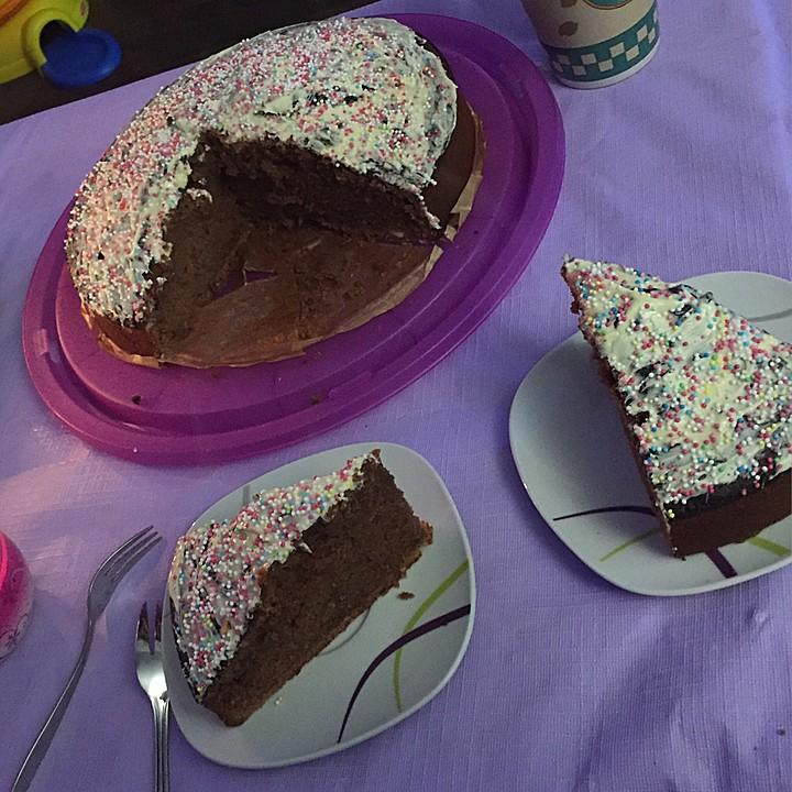 einfacher schokoladenkuchen sch n saftig rezept mit bild. Black Bedroom Furniture Sets. Home Design Ideas