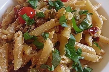 Nudeln mit Tomaten, Schafskäse und Oliven 3