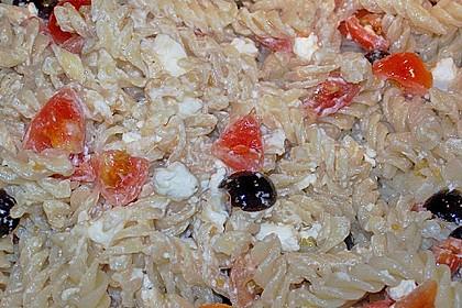 Nudeln mit Tomaten, Schafskäse und Oliven 46