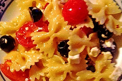 Nudeln mit Tomaten, Schafskäse und Oliven 29