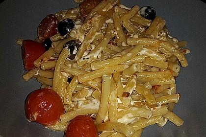 Nudeln mit Tomaten, Schafskäse und Oliven 43