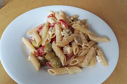 Nudeln mit Tomaten, Schafskäse und Oliven 48