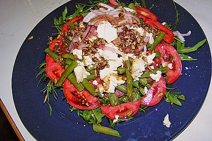 Grüne Bohnen mit Tomaten - Ruccola - Schafskäse Salat 4