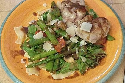Schweinefilet mit Rucola und grünem Spargel 10