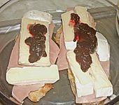 Überbackene Camembert - Schnitzel (Bild)