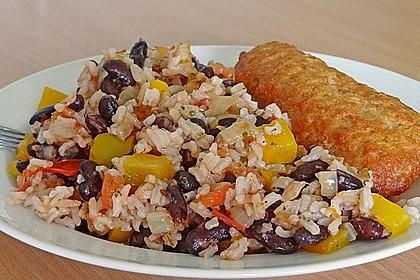 Reis mit schwarzen Bohnen