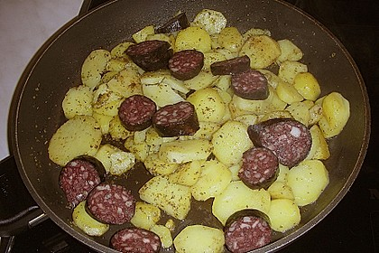 Bratkartoffeln mit Blut - und Leberwurst 6