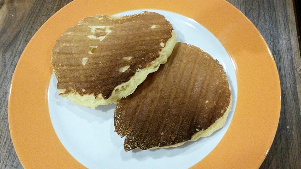 amerikanische buttermilch pfannkuchen rezept mit bild. Black Bedroom Furniture Sets. Home Design Ideas