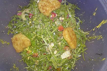 Rucola - Basilikum - Salat mit Pinienkernen und Parmesan 38