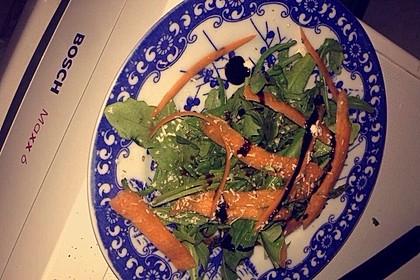 Rucola - Basilikum - Salat mit Pinienkernen und Parmesan 37