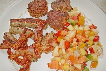 Grillplatte mit Fleisch und Gemüse
