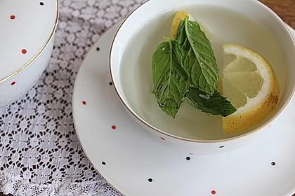 Heiße Zitrone mit Ingwer und Minze 3