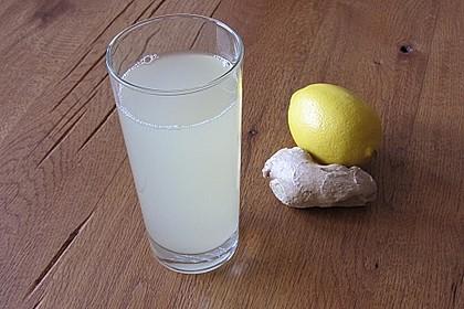 Heiße Zitrone mit Ingwer und Minze 2