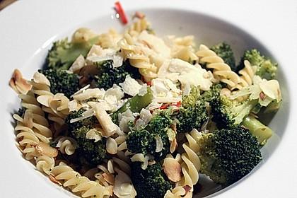 Brokkoli - Mandel - Pasta