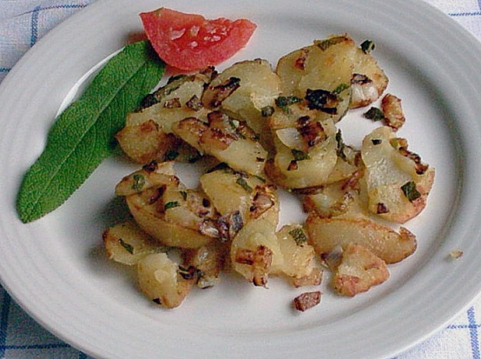 bratkartoffeln mit salbei ein schmackhaftes rezept. Black Bedroom Furniture Sets. Home Design Ideas