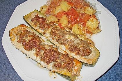 Annas gefüllte Zucchini im Tomatenbett 10