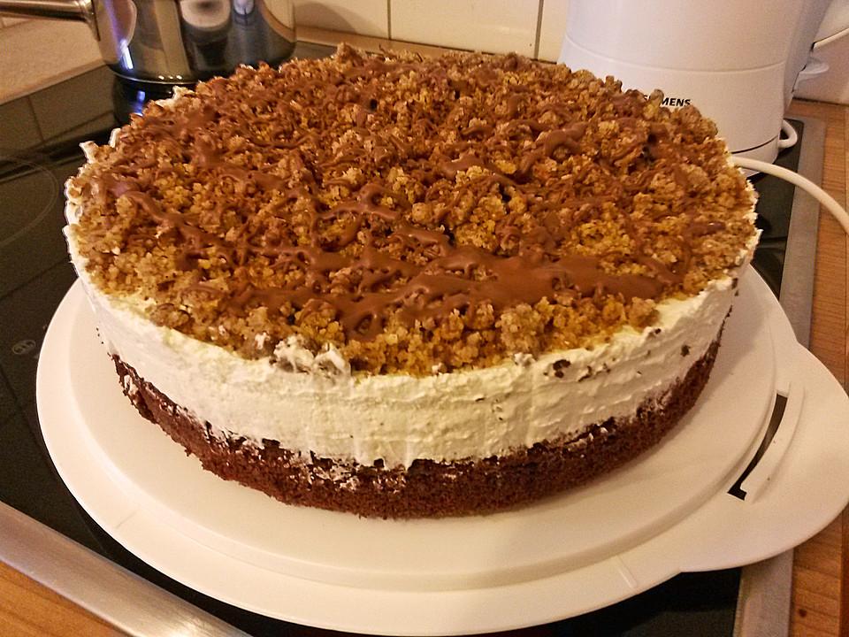 Kuchen mit sahne und nussen