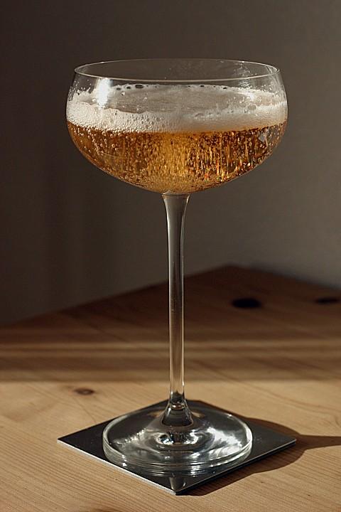 champagner cocktail rezept mit bild von c nockemann. Black Bedroom Furniture Sets. Home Design Ideas