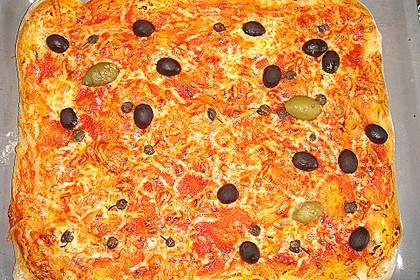 Pizza ganz einfach 0