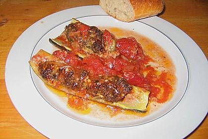 Mit Hackfleisch gefüllte Zucchini 6