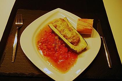 Mit Hackfleisch gefüllte Zucchini 2