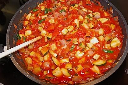 Mit Hackfleisch gefüllte Zucchini 10