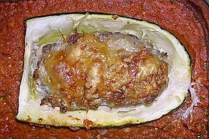 Mit Hackfleisch gefüllte Zucchini 11