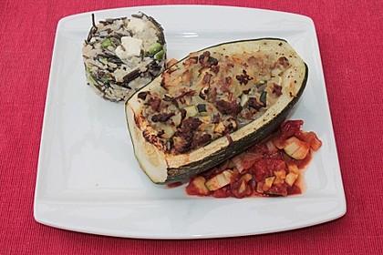 Mit Hackfleisch gefüllte Zucchini 1