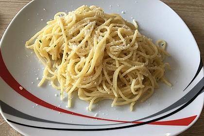 Spaghetti in Knoblauch und Öl 11