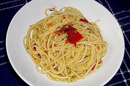 Spaghetti in Knoblauch und Öl 10