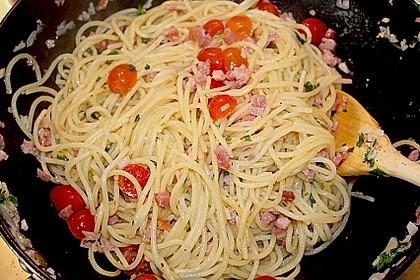 Spaghetti in Knoblauch und Öl 1