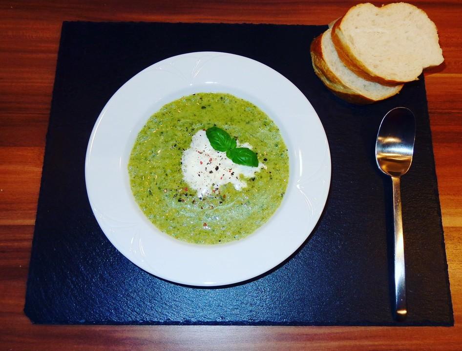 Brokkoli - Basilikum Suppe von läckaschmäcka   Chefkoch.de